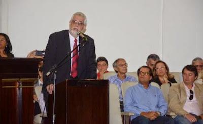 Jorge Solla é vaiado durante Ato Público em Defesa da Educação da Ufba