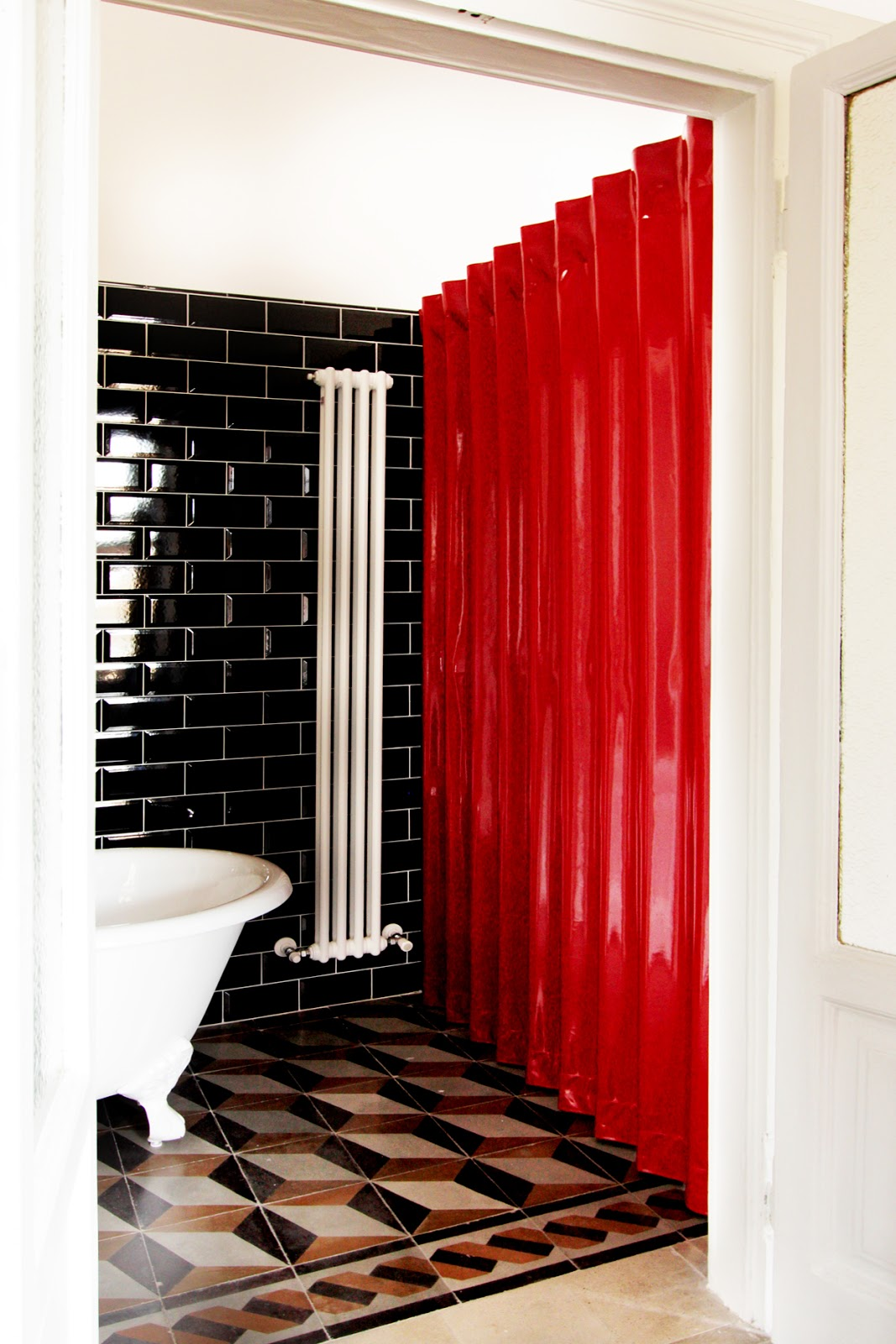 Accordion doors glossy red folding door by architect - Porte a soffietto milano ...