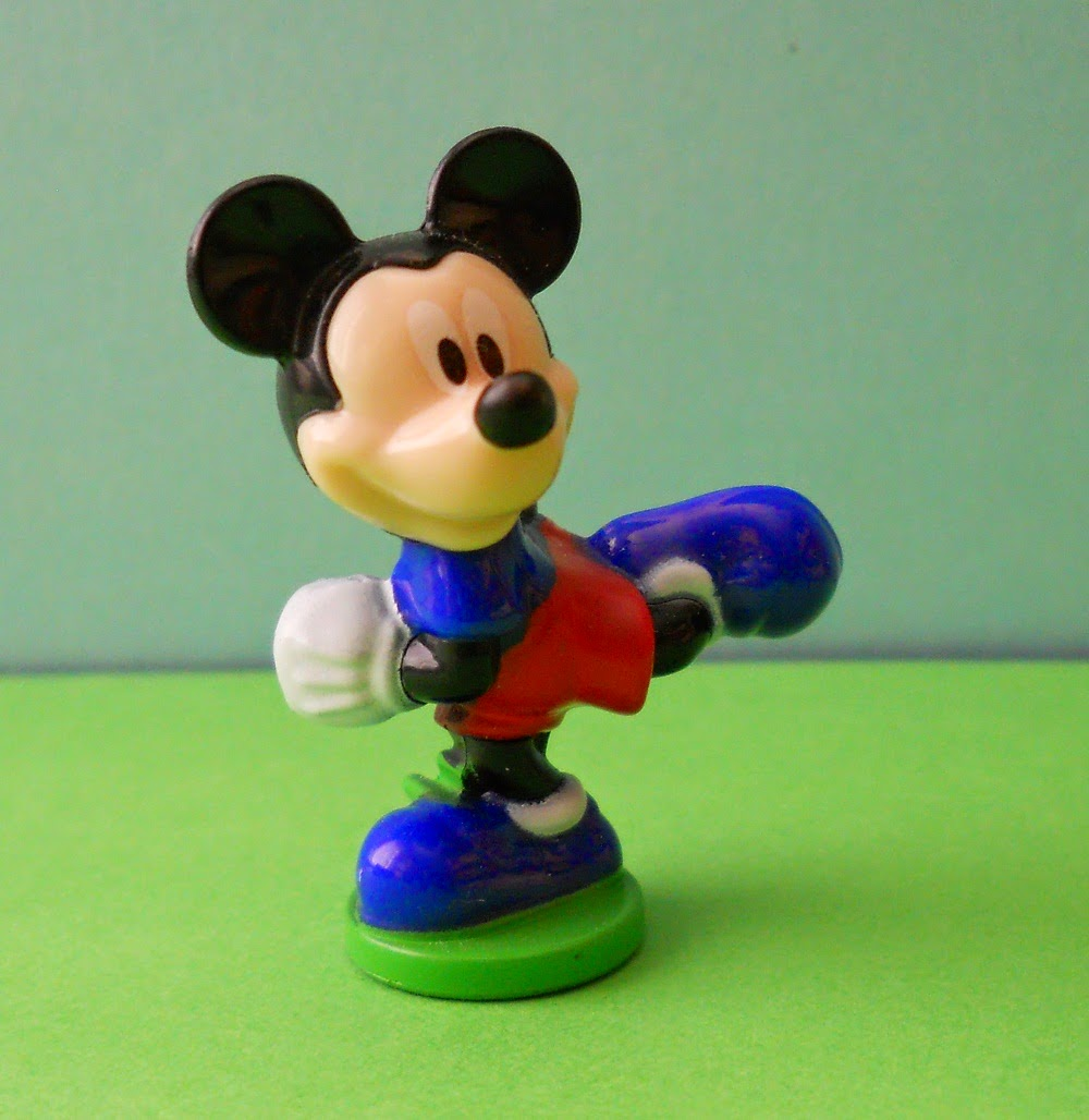 Mickey Mouse futbolista magic kinder