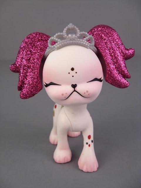 Pinkie Cooper pets
