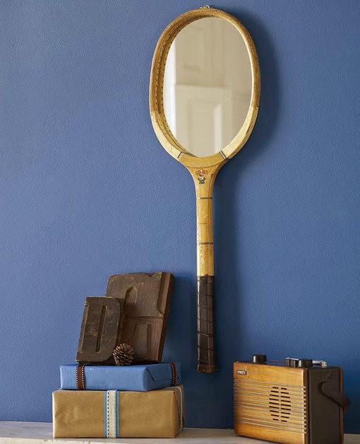 Espejos hechos con raquetas de tenis recicladas