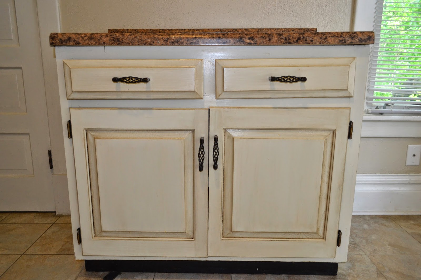 White Painted Glazed Kitchen Cabinets