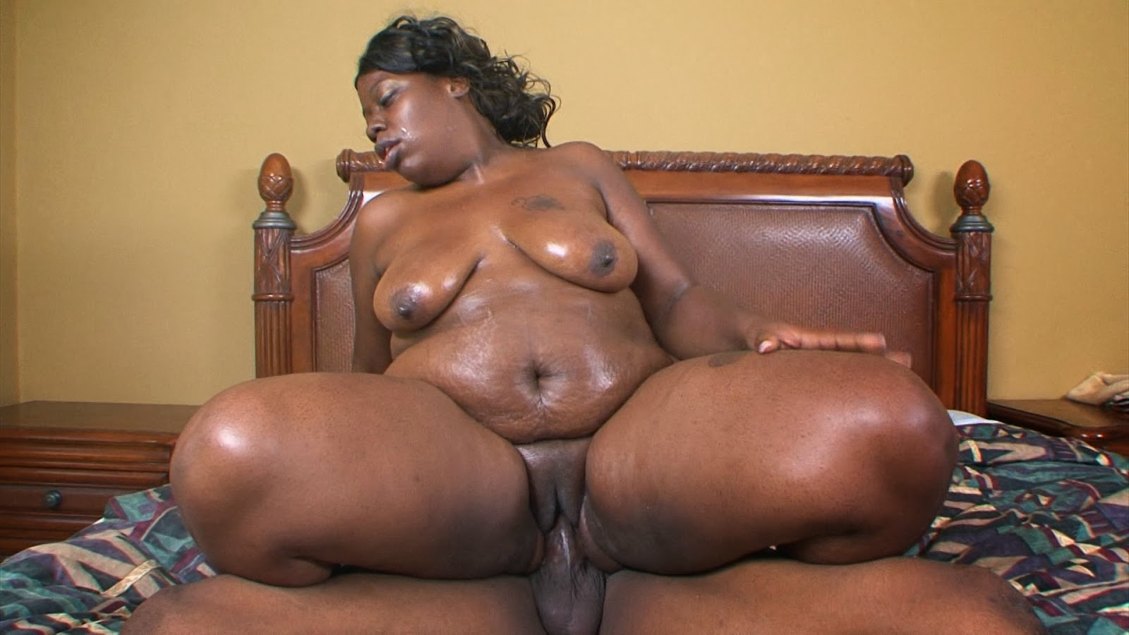 Big um fat black freaks