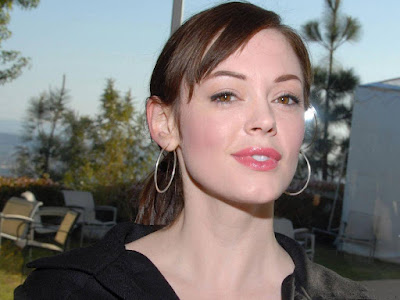 Hollywood Actress Rose McGowan Wallpaper