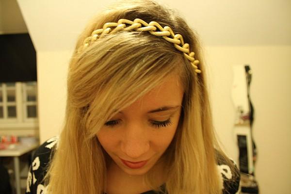 http://1.bp.blogspot.com/-9yskCVhnYSI/UMoKOIiPvbI/AAAAAAAAG-w/B_vC2GvcW1o/s1600/1+headband.jpg