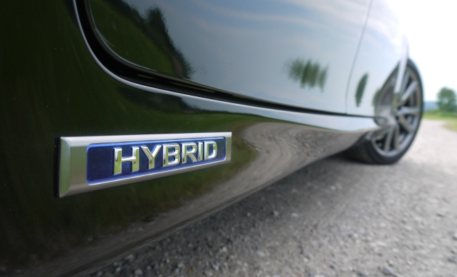 2012 Lexus GS450h hybrid badge