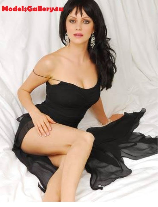 Yana Gupta, Hot and Sexy, Photo in Black Dress,