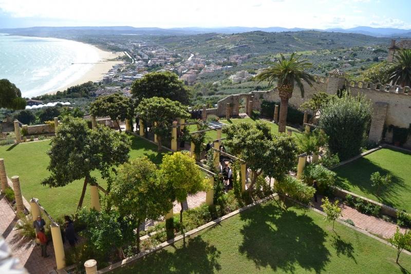 Ufficio Di Fonzo Vasto : Noivastesi: verde pubblico i giardini napoletani di palazzo d