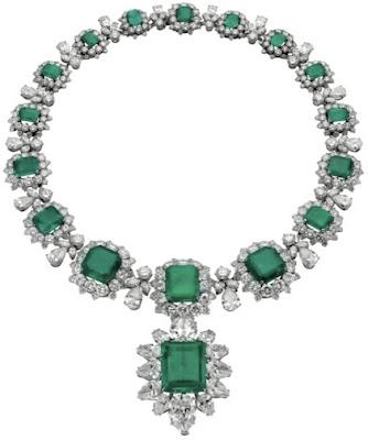 EmeraldNeclace diamondneclace weddingneclace engagementneclace neclace whitegoldneclace252862529 - Fabolous Necklace :)