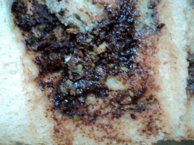 Pan blanco de crema de chocolate y pistachos receta casera