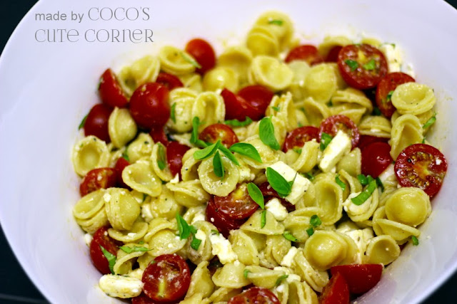 Pastasalad with Tomatoes and Feta