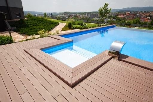 tarima exterior composite alrededor de piscina