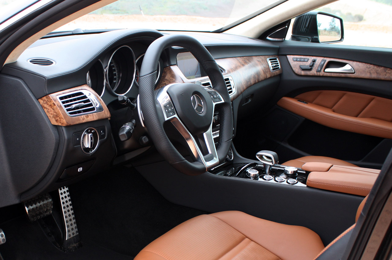 2012 MERCEDES-BENZ CLS63 AMG INTERIOR DESIGN