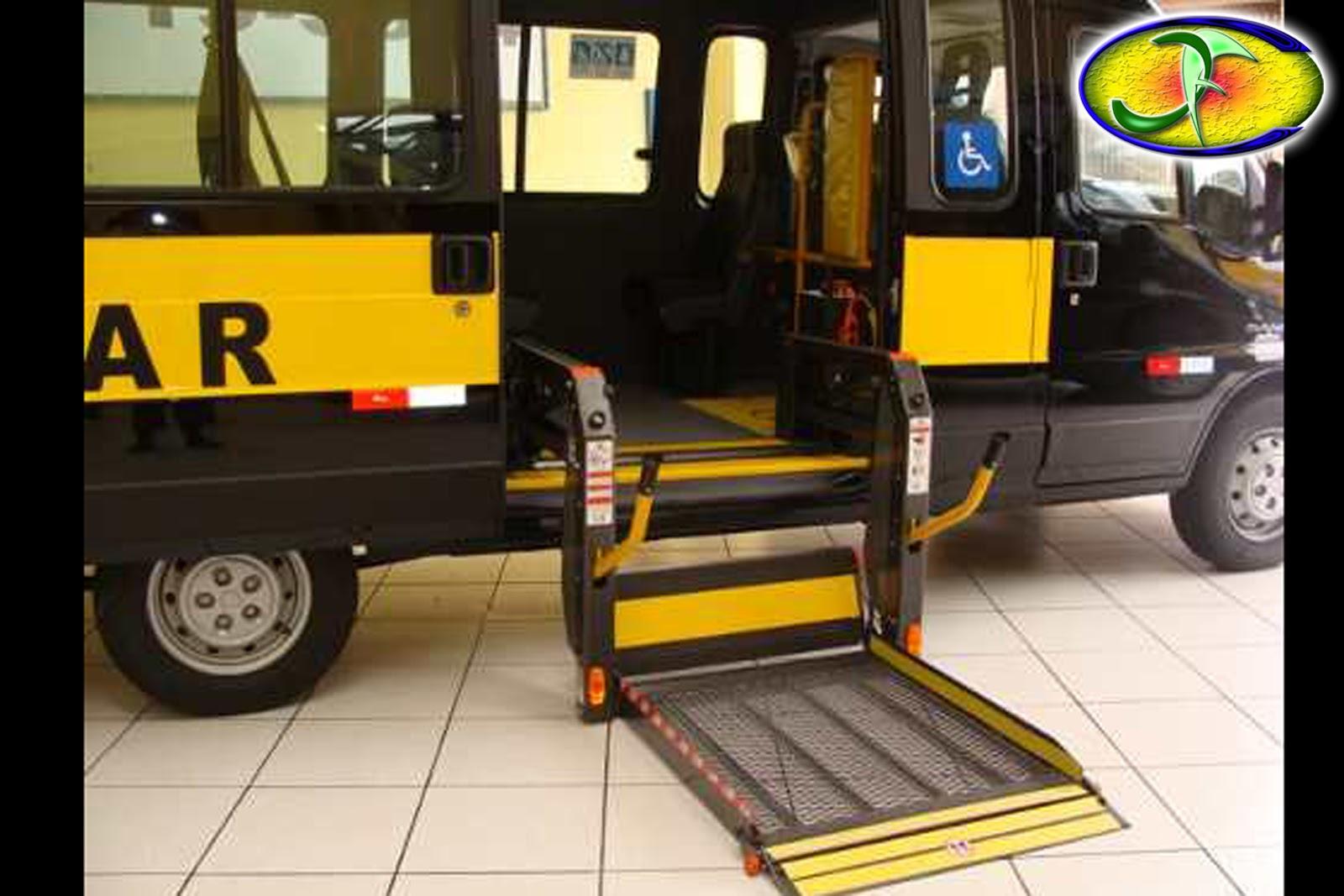 Um ônibus adaptado corretamente para deficientes cadeirantes #C49D07 1600x1067 Banheiro Adaptado Cadeirante