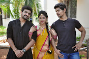 kundanapu bomma star cast photos-thumbnail-10