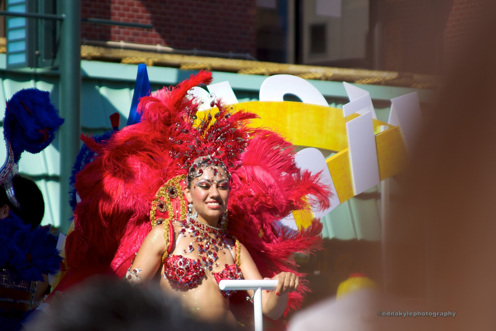 samba dance Check it out at wwwletsdancelouisinfo samba is a great dance to learn if you are going away on vacation soon this video will have the crowd circling you as.