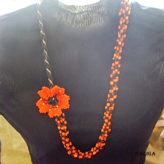 Necklaces Beaded poppy