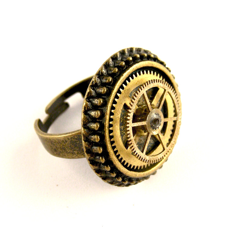 03-Adjustable-Gear-Ring-Nicholas-Hrabowski-Steampunk-Jewelry-from-Recycled-Watches-and-Bullets-www-designstack-co