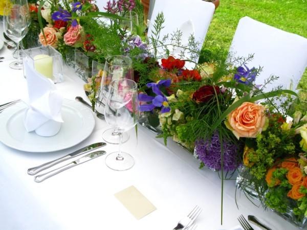 Flower Table L Flower Shaped Table At 1stdibs Poynter  : 143014 600x450 Flower Table Runner1 from chipoosh.com size 600 x 450 jpeg 47kB