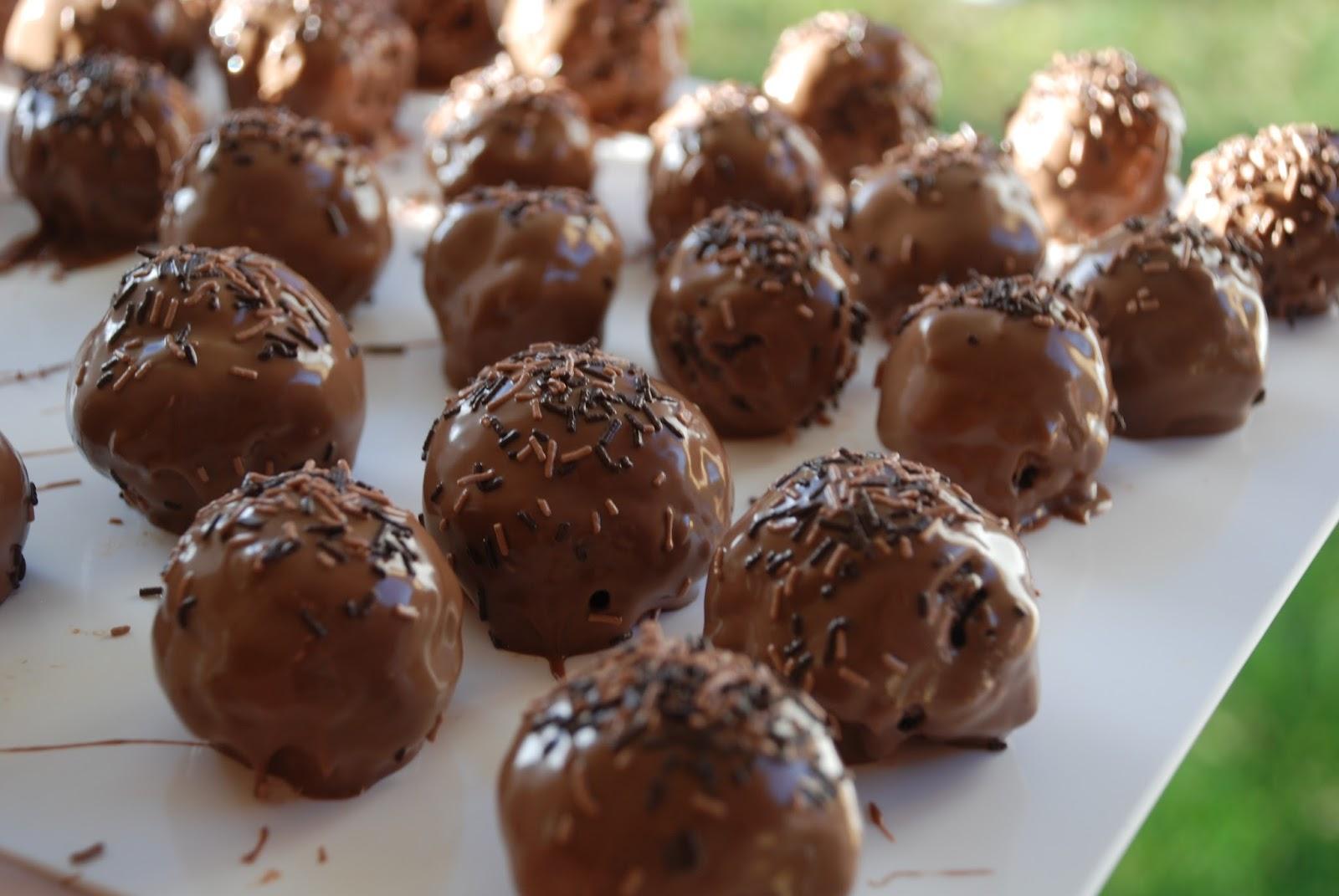 chokladbollar med smält smör