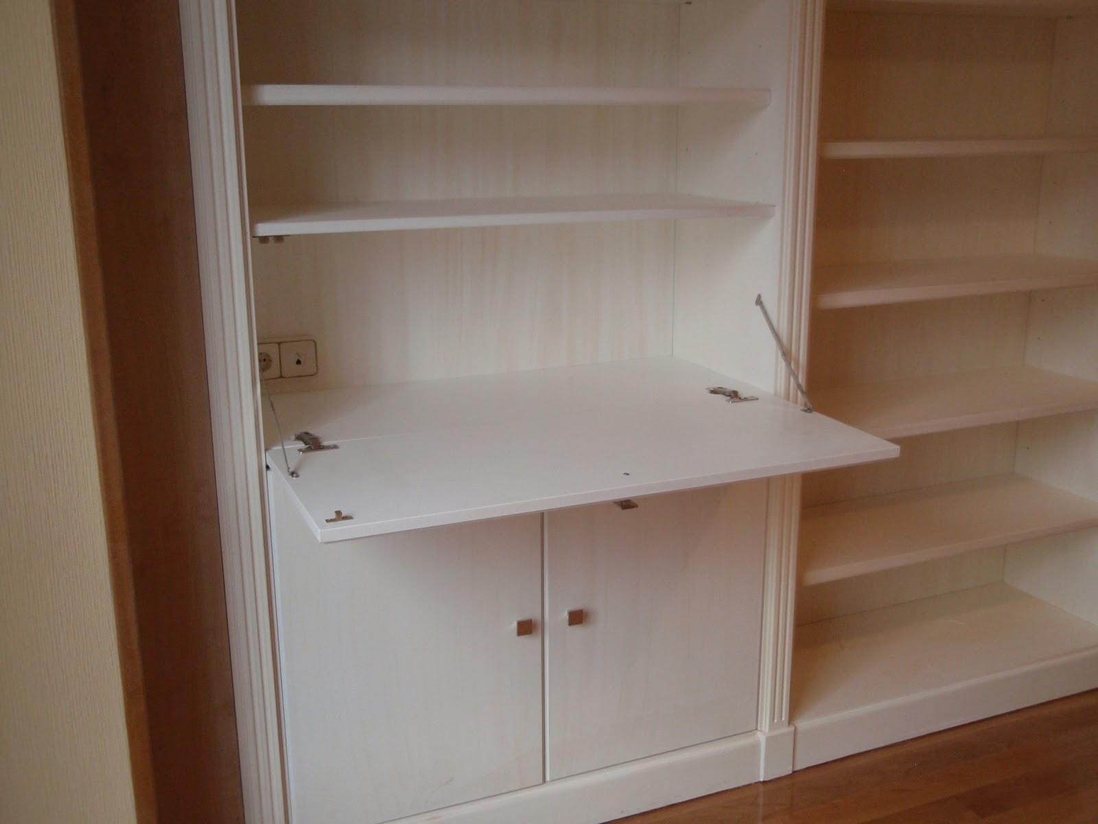 Mueble de pared completa a medida en madera lacada for Apertura puertas