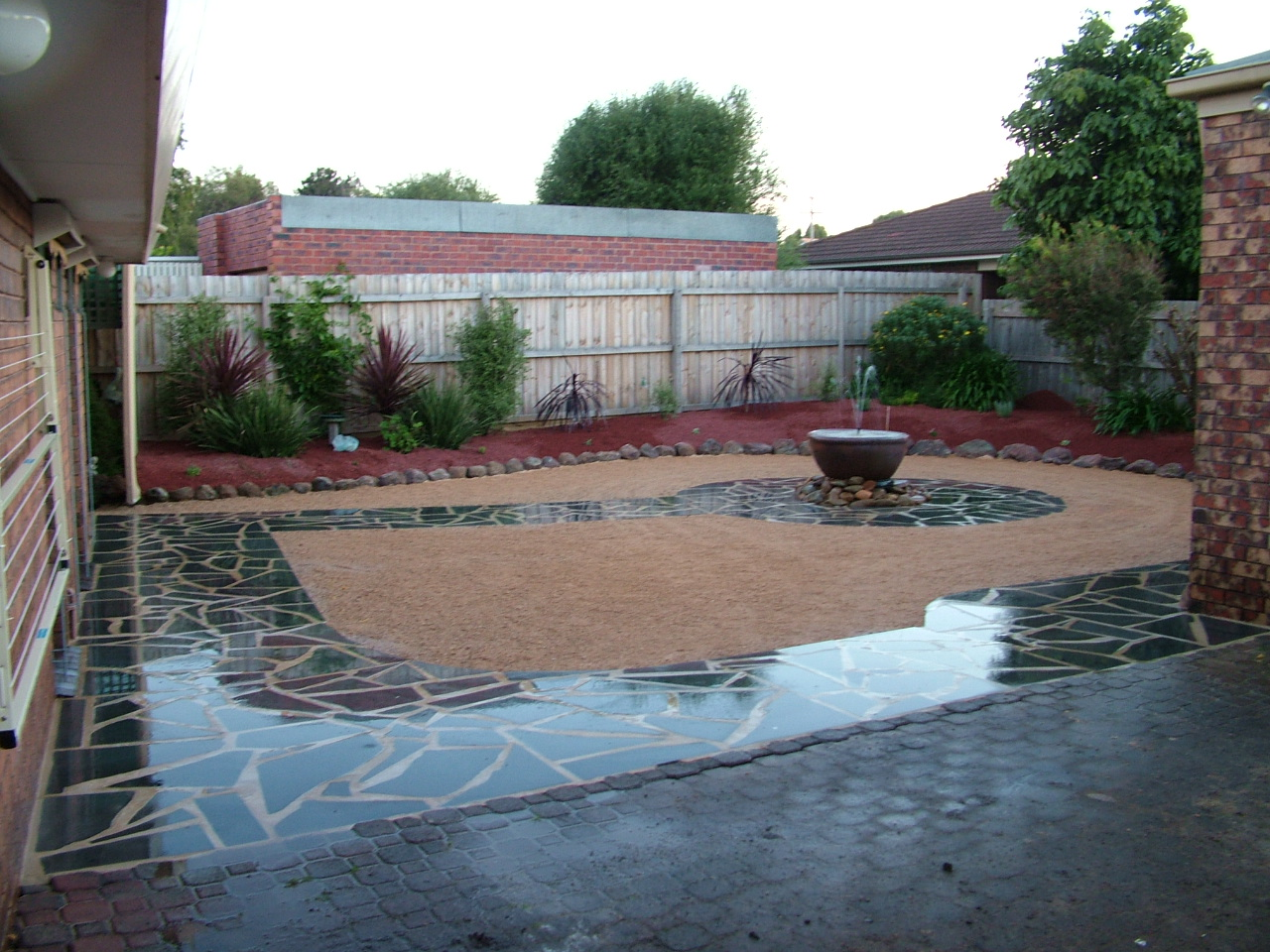 Scorpio landscaping geelong crazy pave and water feature for Landscaping rocks geelong