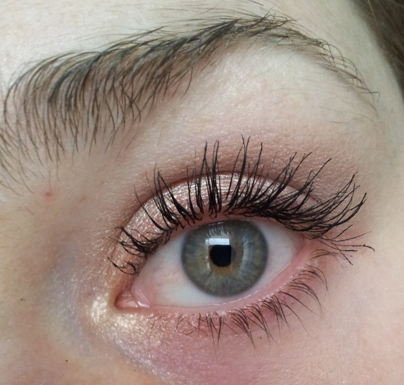 essence get big lashes volume boost mascara
