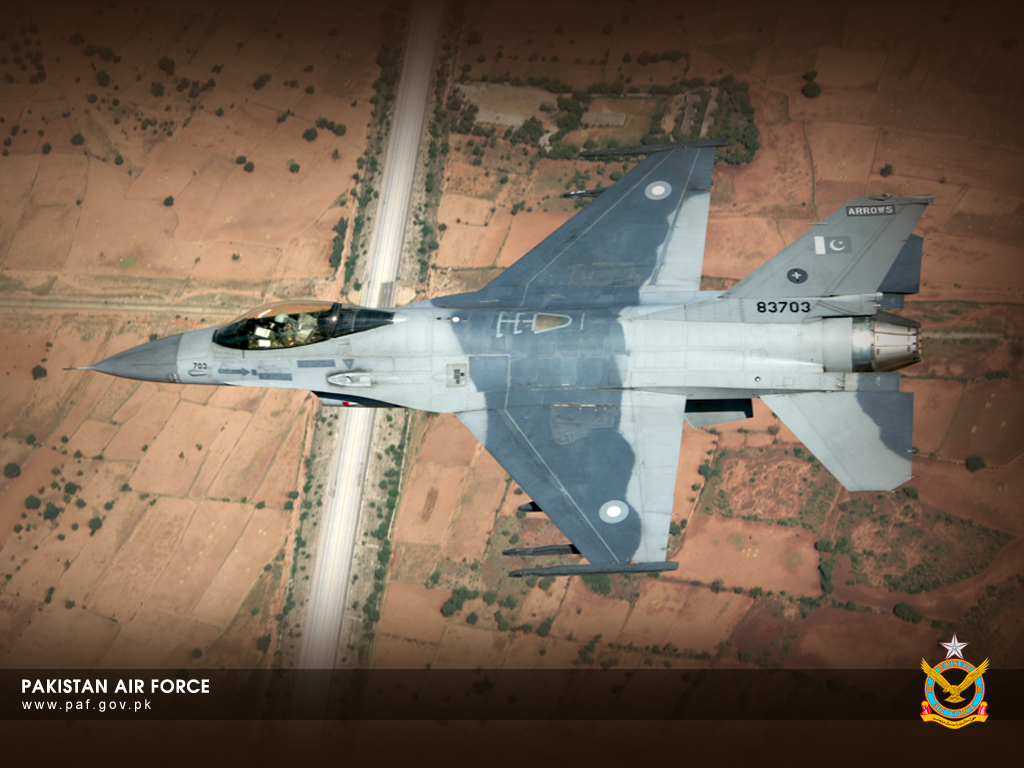 Pakistan Air Force F-16 Flying Over Road Wallpaper