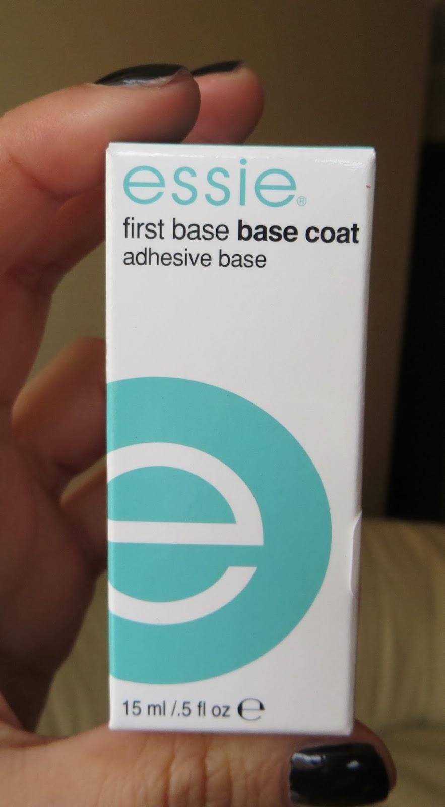 Coloreando mis Uñas: First Base Base Coat de Essie (Review)