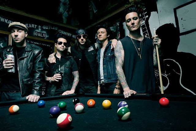 Download Lagu Avenged Sevenfold Album Hail To The King