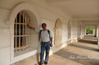 http://ejawantahnews.blogspot.com/2011/12/mitos.html