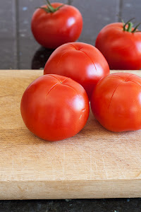 Pripremljen paradajz za ljuštenje