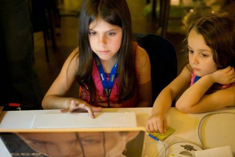 crianças e o computador