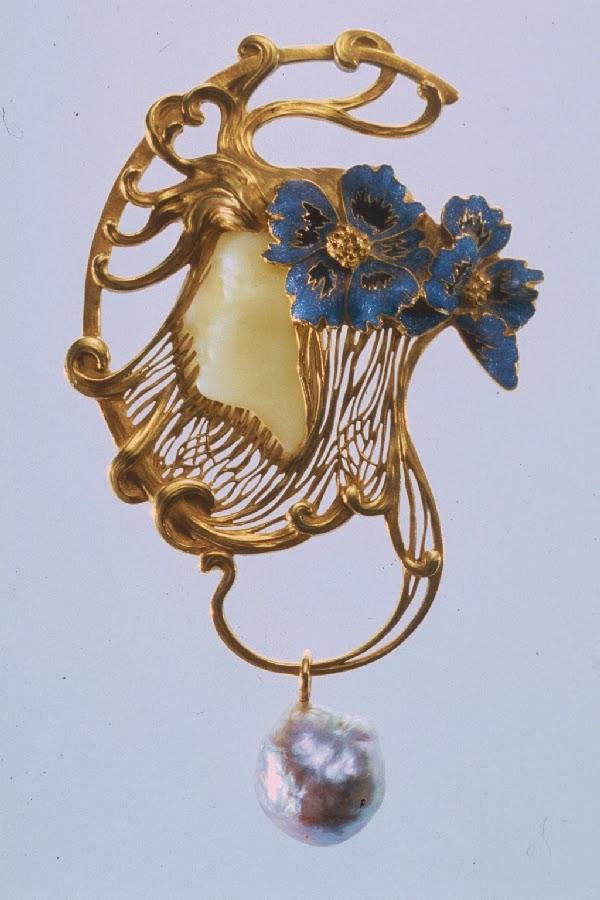 blog of an art admirer art nouveau artists lalique jewelry pendants. Black Bedroom Furniture Sets. Home Design Ideas