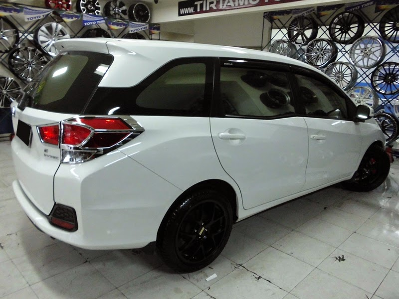 modifikasi honda mobilio ring 17