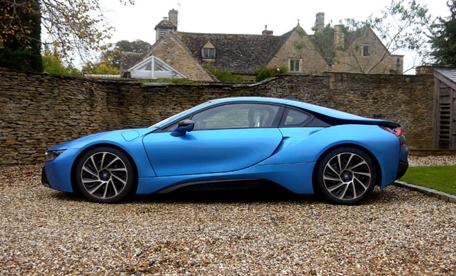 BMW i8 side view