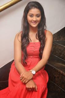 Pooja Jhaveri latest glamorous Pictures 018.JPG