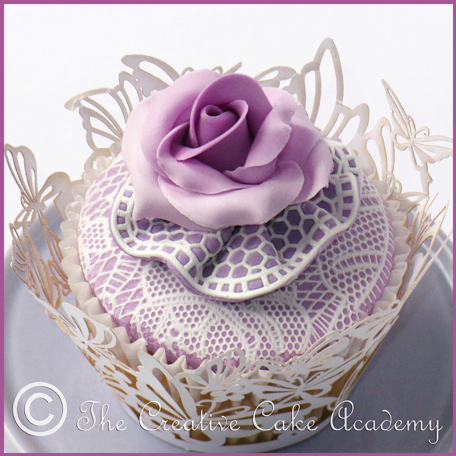 Cake Decor Pearls : The Creative Cake Academy: VINTAGE LACE CUPCAKES ...