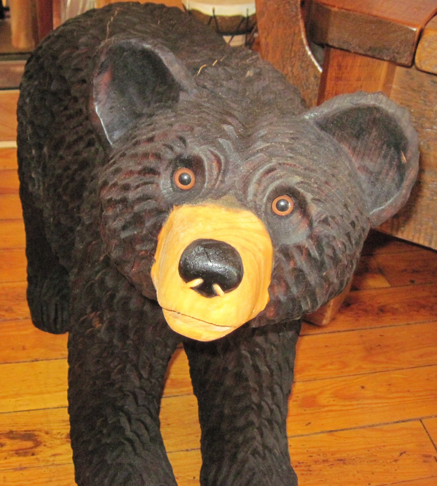 Go rustic chainsaw carved bears