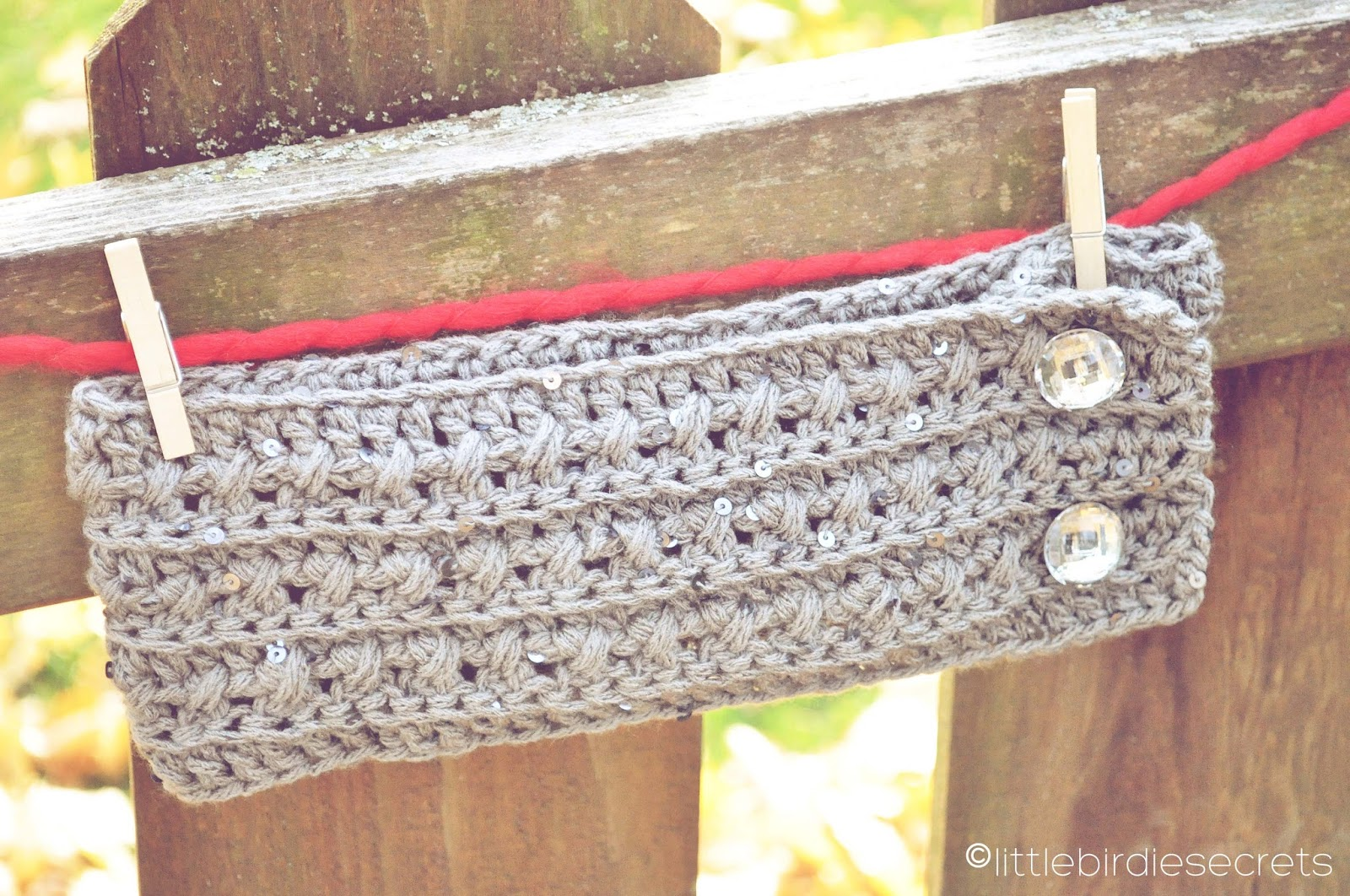 Free Crochet Pattern For Easy Headband : free crochet headband and cuff {pattern} Little Birdie ...