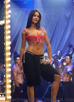 katrina kaif hot pics from shela ki jawani item song
