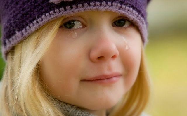 Hasil gambar untuk menangis cewek