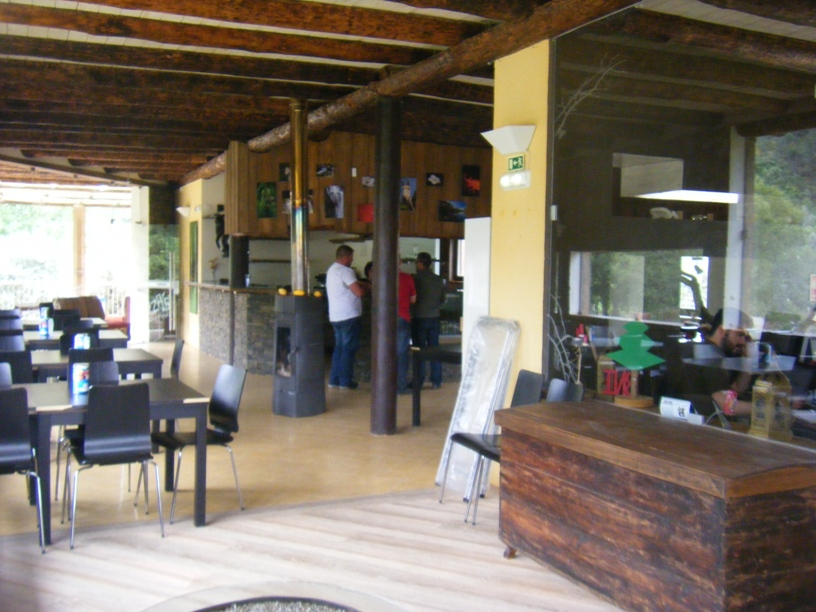 Interior Koyzas Goumet Bar