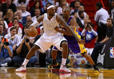 http://tutorialolahraga1.blogspot.com/2015/08/pengertian-teknik-dasar-pivot-basket.html