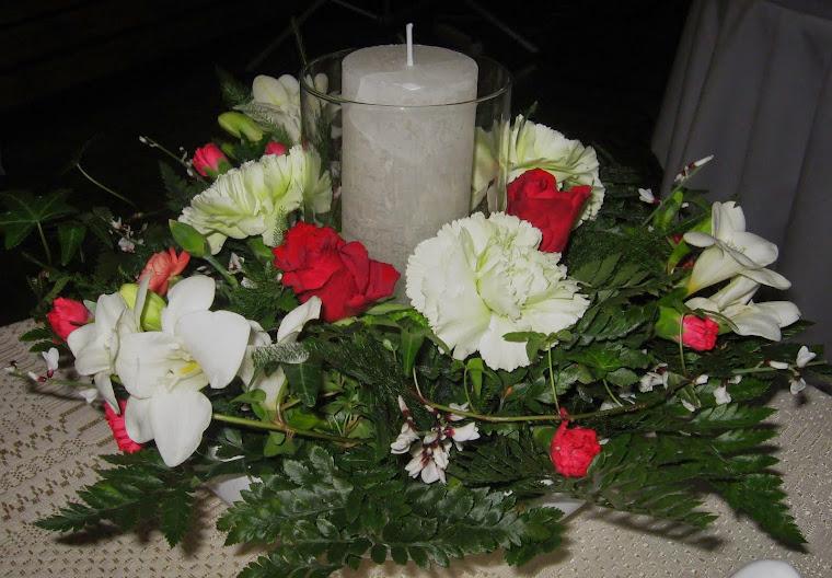 kynttilä asetelmassa