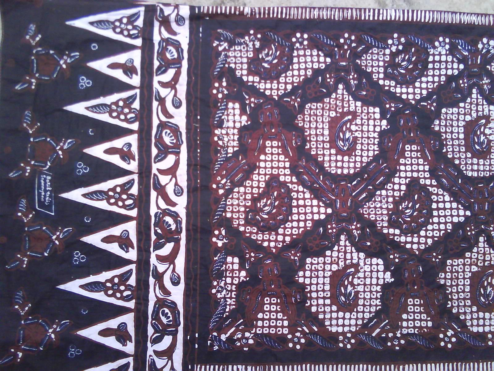 batik ini yang terlihat dari motifnya yang beragam, perbedaan makna ...