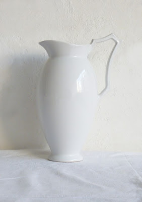 pitcher WHEN SIMPLICITY=ELEGANCE