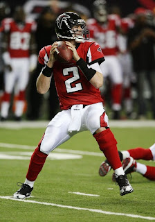 Atlanta Falcons, football, quarterback, 2, Matt Ryan, throwing, passing