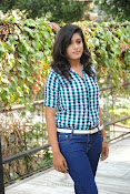 Liza reddy glam pix in jeans-thumbnail-1