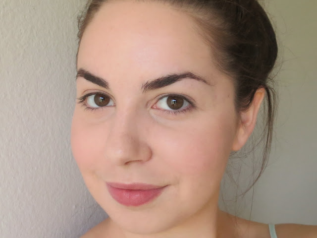 a picture of Maybelline Fit Me Matte+Poreless Foundation in 115 Ivory and 110 Porcelain (after photo, final results)